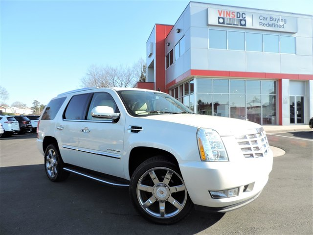 Pre-Owned 2013 Cadillac Escalade AWD LUXURY ENTERTAINMENT PACKAGE